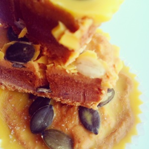 Paleo Pumpkin Pie Fudge Butter Cups